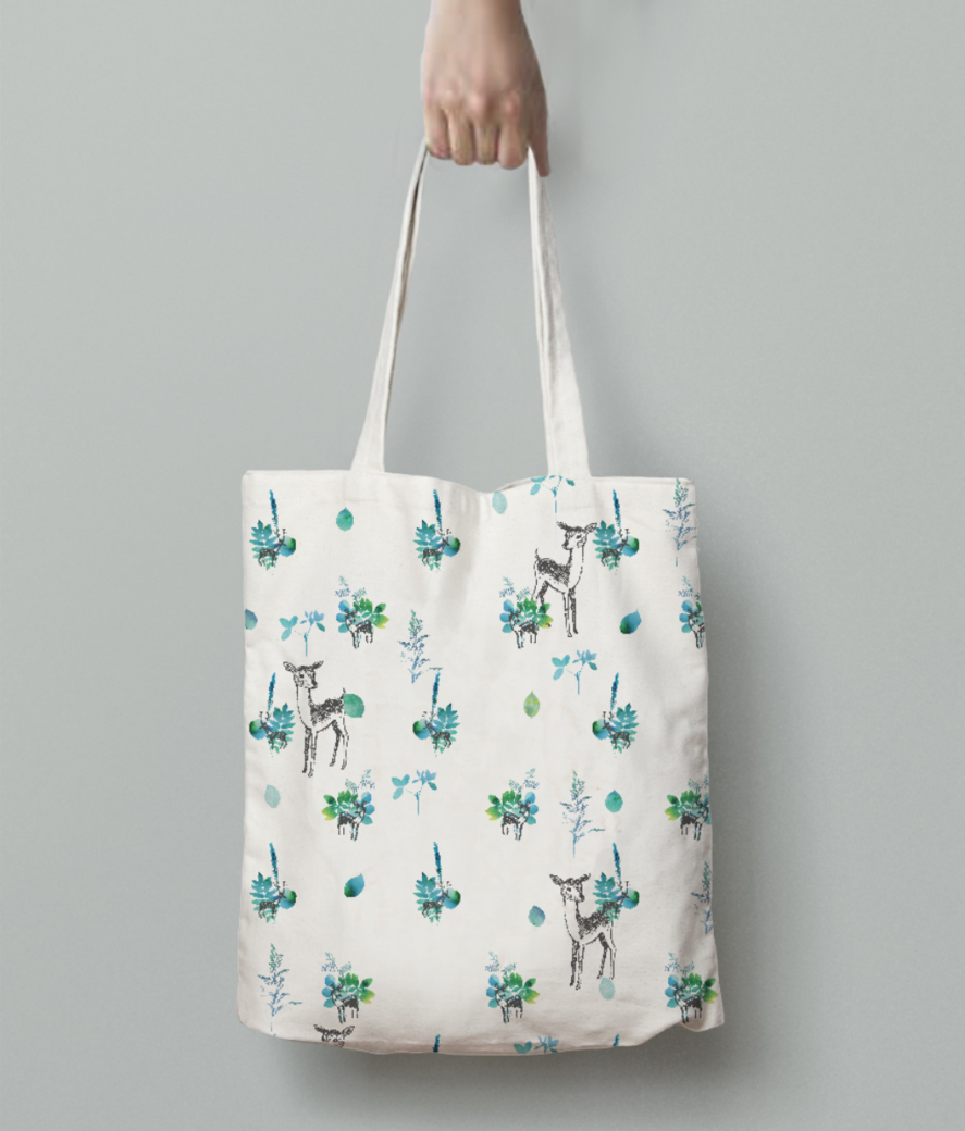 Winter deer tote bag back