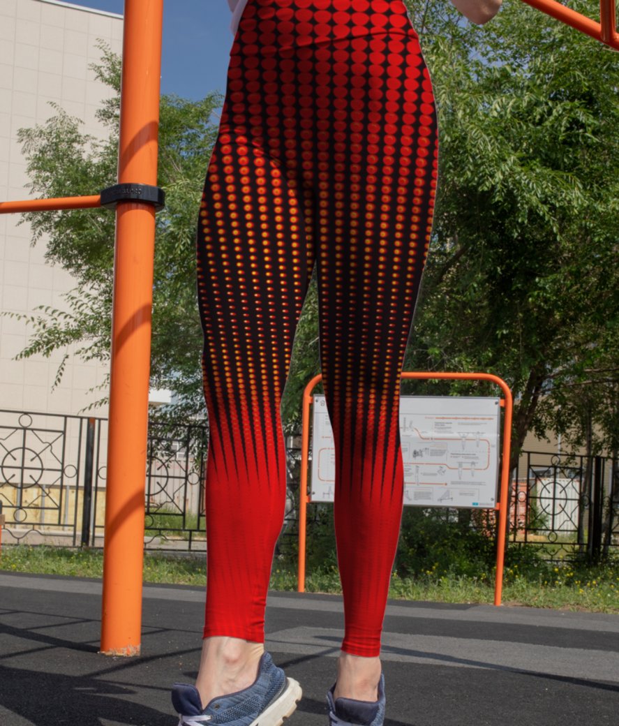 Red lines leggings front
