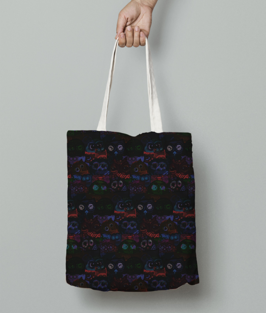 Owl eyes on me tote bag front
